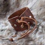 rune_cuff_brown_back