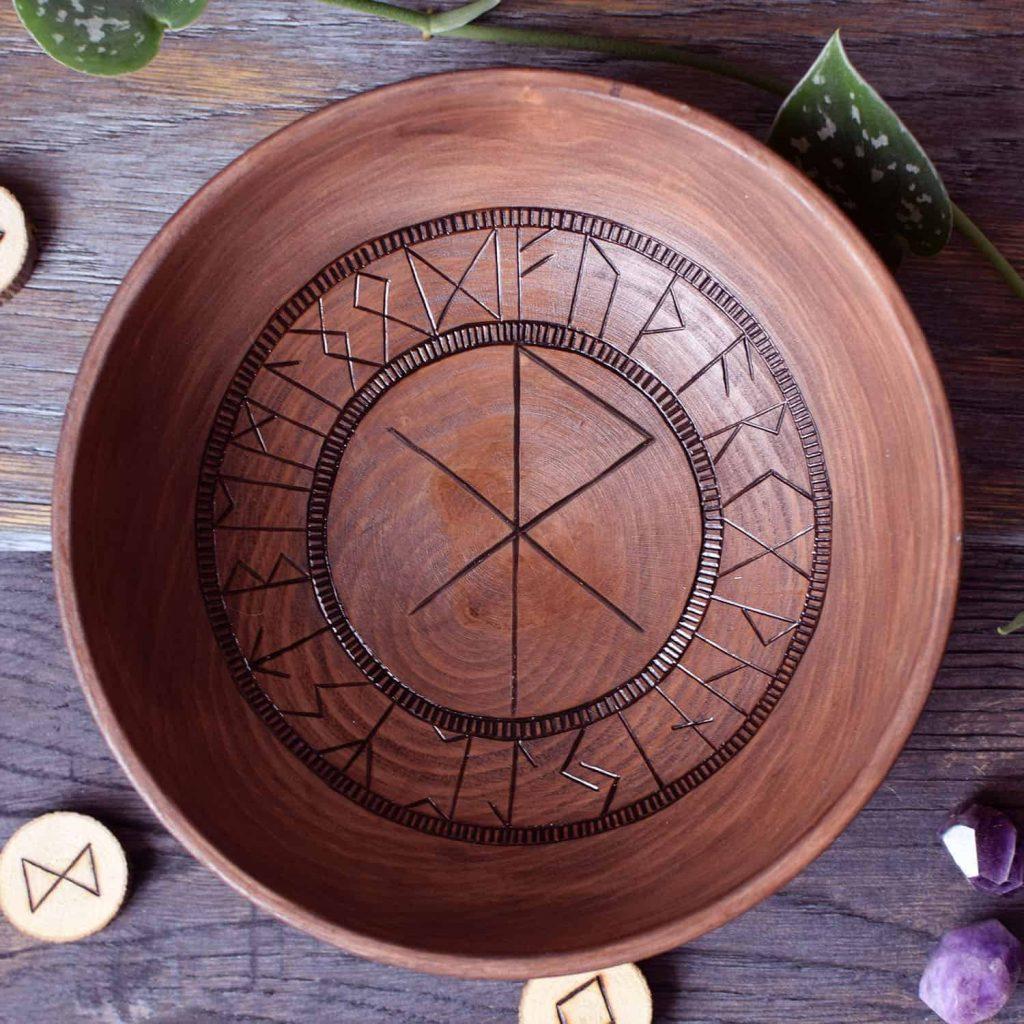 Love Bind Rune Offering Bowl
